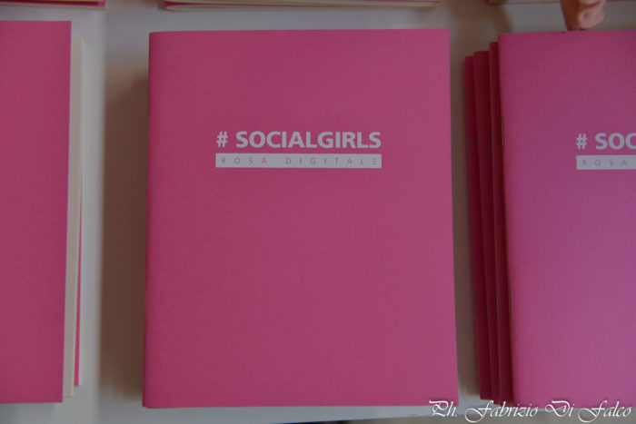 Social Girls Rosa Digitale