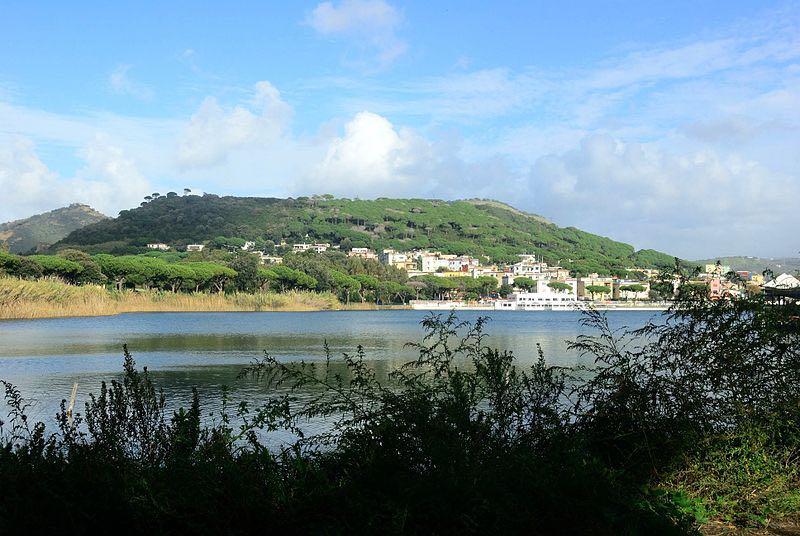 Lago Di Lucrino